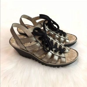 Fly London Size 40 Gold Yito Platform Sandals